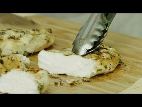 How to Grill Juicy Chicken Breasts