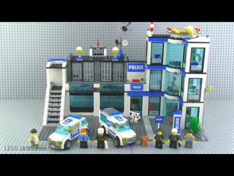 LEGO City Police Station 7498 review!