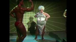 Divine - You Think You're A Man (Flashlights 08.08.1984)