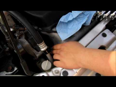 DIY:  2002 Honda Civic SI EP3 PCV Valve Replacement  (EASY)