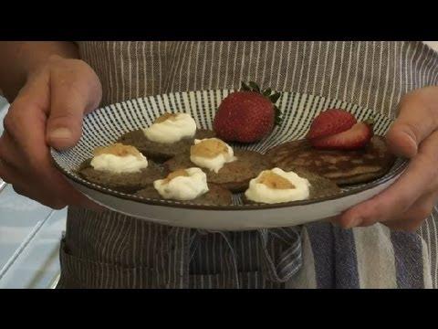 How to Make Blini Pancakes : Making Pancakes