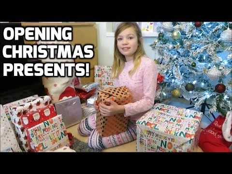 Opening Christmas Presents - Xmas Presents Opening