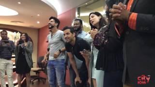 Amazing Flash Mob For Hritik Roshan & Yami Gautam | Kaabil