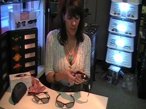 how to change Oakley lenses