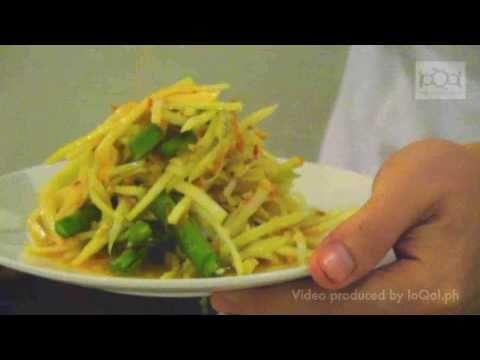 How to make your own Som Tum (Papaya Salad)