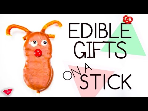Edible Holiday Gifts for Kids... on a Stick | Alison from Millennial Moms