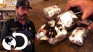Download 9 Kg de droga escondida | Control de fronteras | Discovery Latinoamérica Video