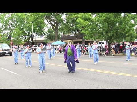 Silverton Health at 2014 Keizer Iris Festival Parade