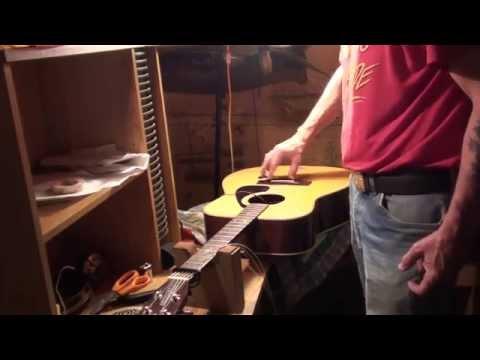 Yamaha Acoustic Guitar Repair Battery Box and a cool Cromatic G flat picking lick!