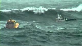 Big storm, pilot boats in 10m waves