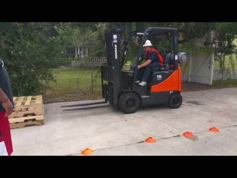 Forklift operator safety training classes at Florida training academy in Jacksonville Florida