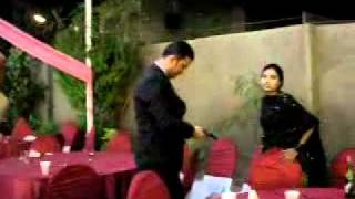 Pakistani Girl Firing And Enjoying pagal hai yaar sab k sab.flv