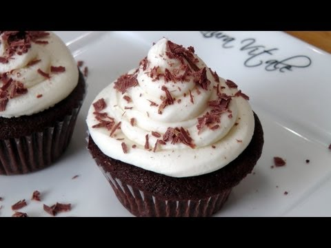 How to Make Chocolate Cupcakes - Laura Vitale - Laura in the Kitchen Episode 222