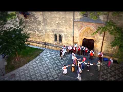 [Prague] Folk band from Switzerland dancing & singing in costumes in front of St. Peter Church
