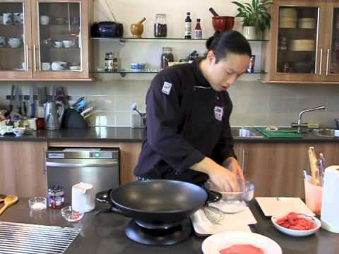 How to Cook Crispy Chilli Beef - Blue Dragon