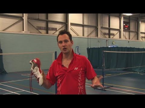 How To Select The Right Badminton Shoes