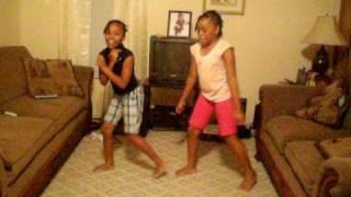 Kids Doin Da Stankey Leg