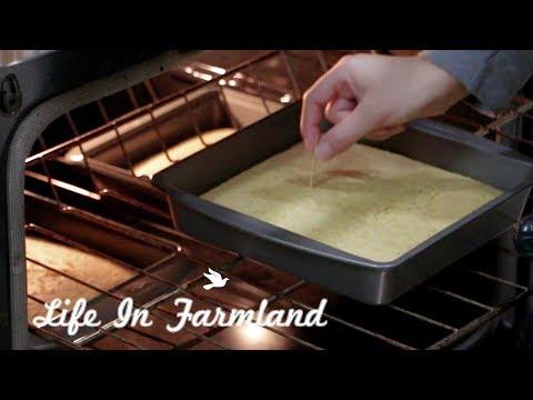 Milling Corn To Make Corn Bread