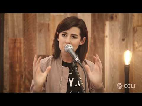 Acoustics @CCLI: Meredith Andrews - I Look To The King