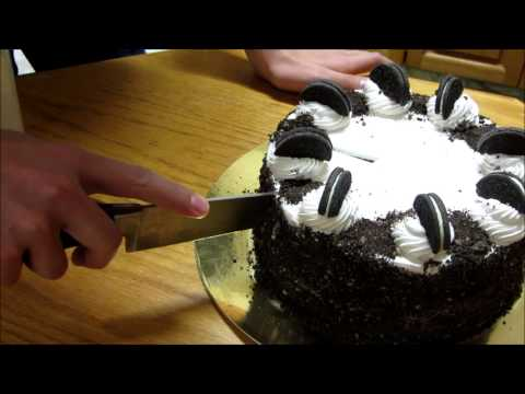 Quick Tip: How To Cut a Cake Cleanly