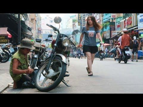 Vietnam Street Scenes 2018 - Saigon Vlog