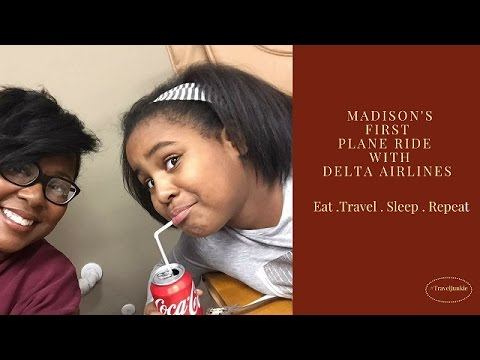 Madison's First Flight with Delta Airlines / Travel Vlogger