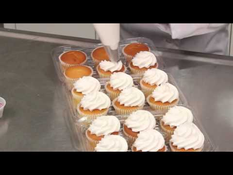 Applying Icing to Cupcakes Using a Star Tip