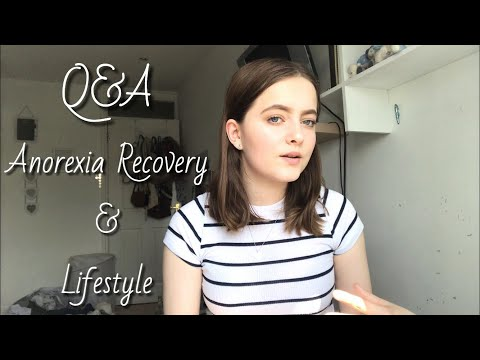 Q&A 💬 // Eating Disorder Recovery & Lifestyle   Emily's Recovery