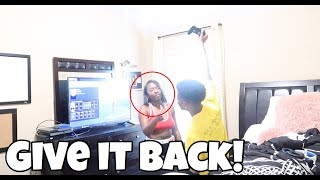 TRAY ANNOYING PRANK ON AIRI!!! (SHE GETS MAD)