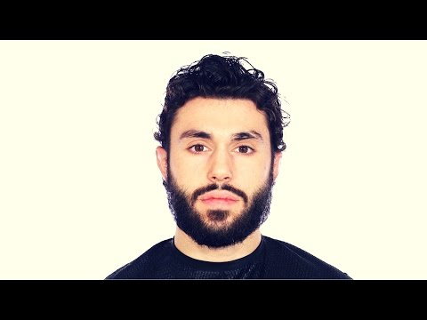 How to Cut a Men's Curly Hair Haircut - TheSalonGuy