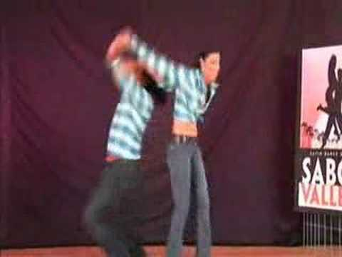 Advanced Cumbia Dancing