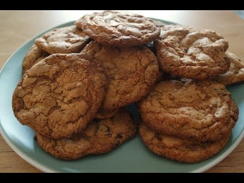 CHOCOLATE CHIP COOKIES RECIPE | EM'S BAKING