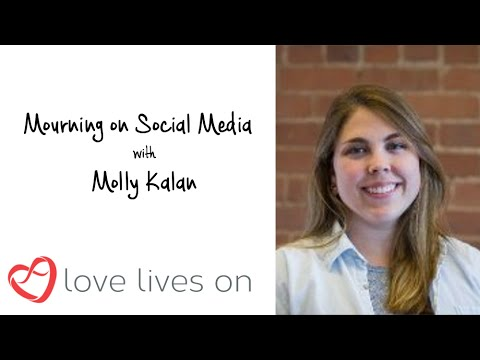 Mourning on Social Media