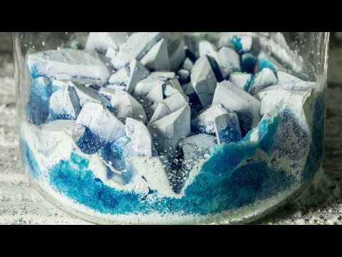 Copper Sulfate (Pentahydrate to Monohydrate and Anhydrous) Time Lapse.