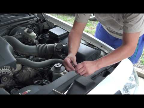 HOW TO CLEAN A MASS AIR FLOW SENSOR / METER , M.A.F. SENSOR !!!