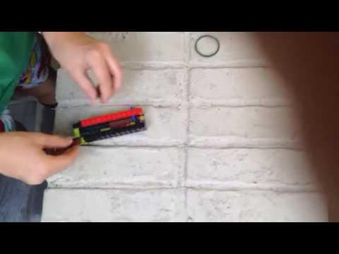 How to make a lego switch blade that comes out automatically ( instructions )