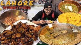 Download ULTIMATE PAKISTANI STREET FOOD TOUR IN LAHORE - NASIR BONG PAYE, SAAG OR MAKKI KI ROTI, BBQ Video