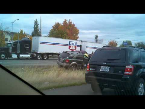 I-5 Fife accident people actually help