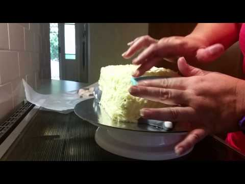 Basic DIY Cake Decor : Caravan cake