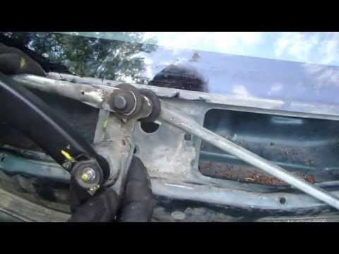 How to replace windshield wipers motor Toyota Corolla. Years 1995 to 2002.