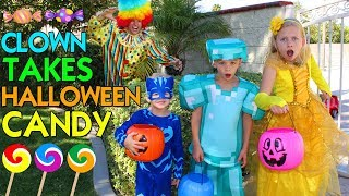 Download WHO TAKES OUR HALLOWEEN CANDY?! - Family Fun Pack Skit Video