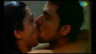 Sushmita sen hot kissing scene