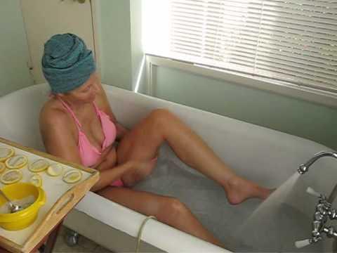 Lemon Salt Scrub in Detox Bath