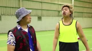 Aussie teaches Chinaman - CRICKET!