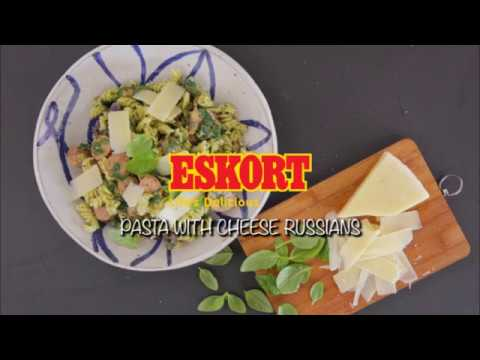 ESKORT: Pasta with cheese Russians and greens