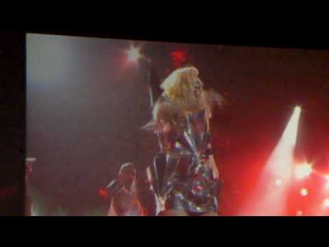 [HD] Lady Gaga Bad Romance Live in New Zealand