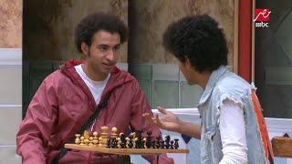 #x202b;مسرح مصر - بدون معلم .. تعلم لعب الشطرنج على طريقة علي ربيع#x202c;lrm;