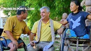 Campuchia: Vị giám mục đã thay đổi cuộc đời của những người tị nạn ngồi xe lăn