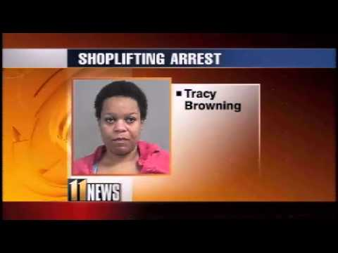 Woman Tries To Buy iPads With EBT Card  (Ran Off With The iPads When Card Got Declined!)