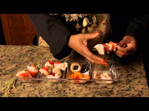 How to Make Chicken, Onion & Bell Pepper Kabobs : Cooking Skills & Recipes
